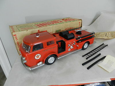 Vintage Wen Mac Texaco Fire Chief Toy Fire Truck- W/ Box- Vintage Fire Fighter