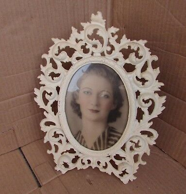 Vintage 1900's Cast Iron Ornate Oval Roundl Picture frame