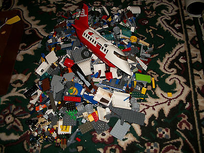 Lego Lot of Pieces Star Wars Airport Large Plane town City some Figures