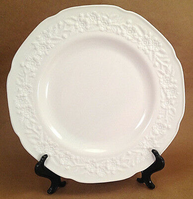 Lot of 4 Dinner Plates ORANGE BLOSSOM Indiana Glass White Milk Glass 1957