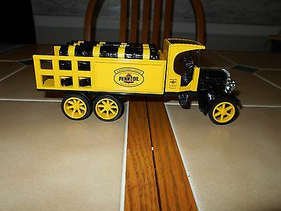 PENNZOIL DIECAST1925 KENWORTH STAKE TRUCK by ERTL 1:30 SCALE.NEW STOCK#9245