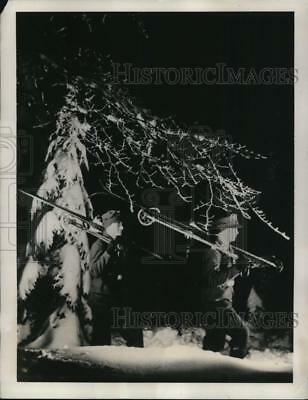 1940 Press Photo of German soldiers with skis in the Upper Rhine Forest.
