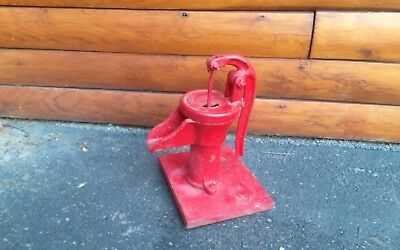ANTIQUE HAND WATER PUMP CAST IRON FARM    HOUSE  decorative