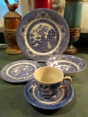 Blue Willow 5-Piece Place Setting