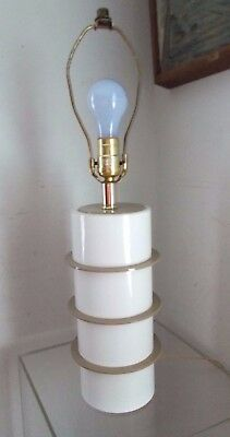 Vintage Stacked Skyscraper Mid Century Modern Lucite Table Lamp Tan White Tower
