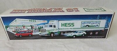 Hess Truck 1992 in Box 18 Wheeler and Racer Working Lights #6342