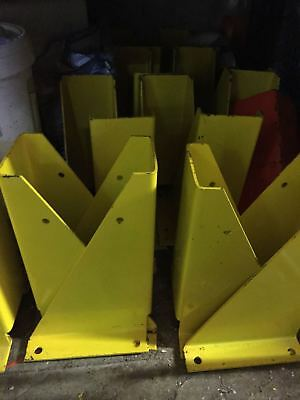 PALLET RACKING CORNER PROTECTOR 400MM x 250MM (USED)