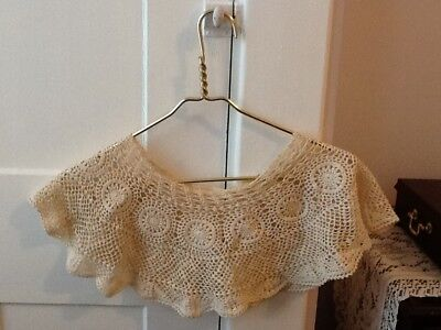 Lovely Off-White Antique Lace Collar