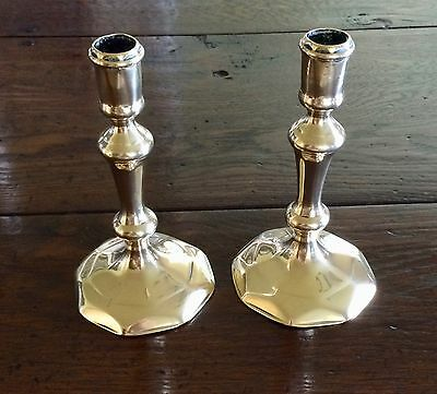 Fine Pair Of Antique Brass Candlesticks From The Queen Anne Period - Circa 1710