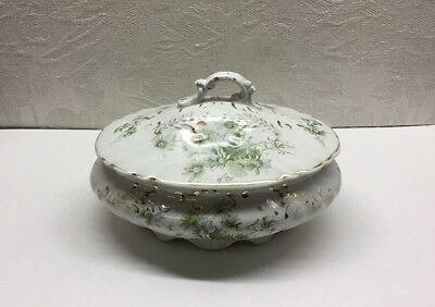 W H Grindley & Co - England - Daisy Pattern - Covered Dish - Semi-porcelain