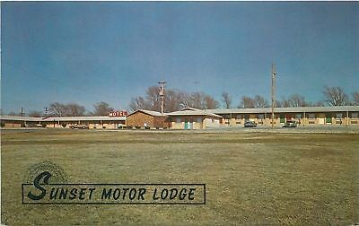 El Dorado Kansas~Sunset Motor Lodge & Restaurant~1971 Postcard
