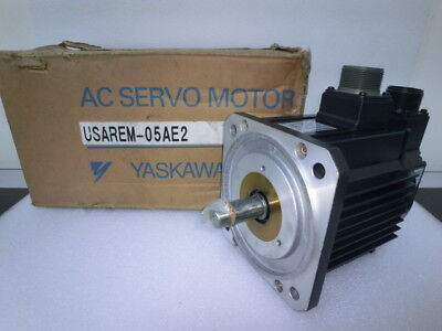 Yaskawa Electric USAREM-05AE2 AC Servo Motor,unused,Jap~5262