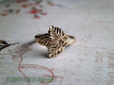 Antique Vintage Sterling Silver 925 Etched Grapes and Leaves Band / Ring Size 6