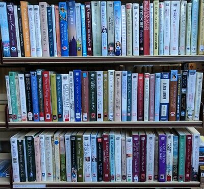 LARGE PRINT FAMILY/SAGA/ROMANCE: LARGE job lot box of 18+ mixed adult books