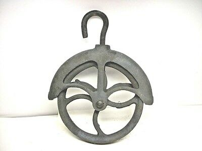 Antique Cast Iron # 8 Well Water Farm Barn Wheel Rope Pulley Primitive