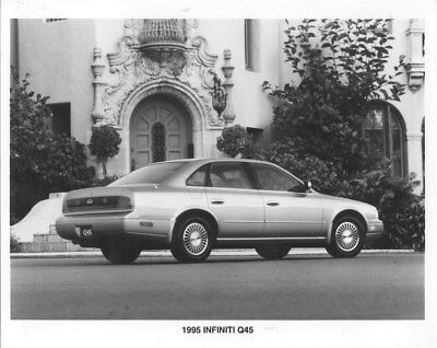 1995 Infiniti Q45 ORIGINAL Factory Photo oua0946
