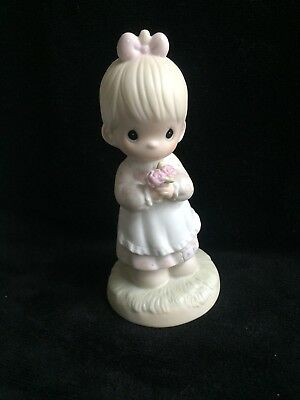 Precious Moments Figurine MOMMY I LOVE YOU 112143 1987 Girl with bouquet flowers