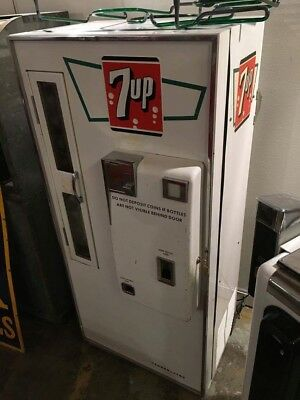 1950's 7up Vendo 81 Soda Machine