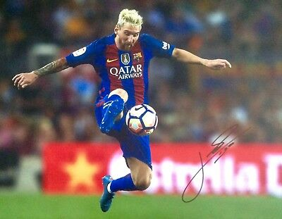 Lionel Messi Authentic Signed 20X16 Photo Aftal#198
