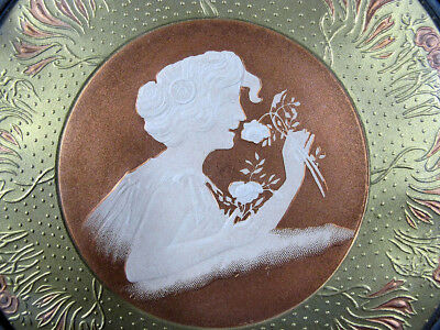 Antique Victorian Embossed Lady Cameo Round Glass Chimney Flue Cover Shield  yqz