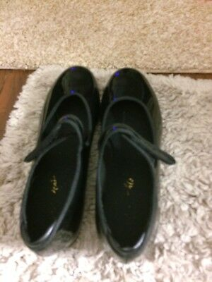 Black Womens Tap Shoes Size 8  1/2 Theatricals slightly used