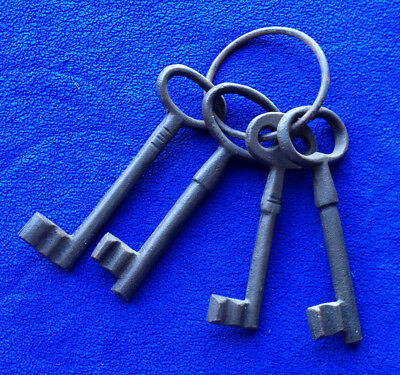 Antique Style Old Cast Iron Key Ring With Four Big Keys