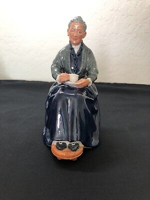 Royal Doulton Figurine The Cup of Tea HN 2322