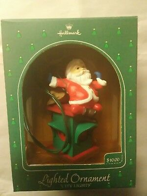 Santa's City Lights On Stoplight Lighted Hallmark Ornament 1984