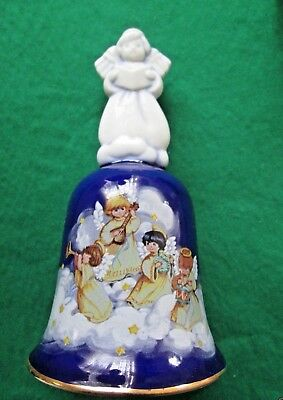 "Avon  Porcelain Christmas Bell ""avon Heavenly Notes"" 1992 Rare **nib**"