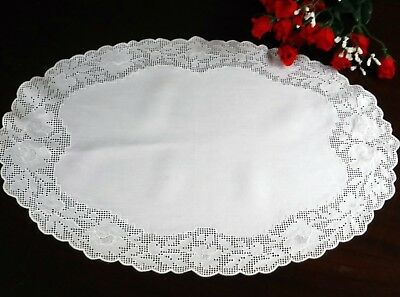 """Vintage Table Runner Doily Linen White embroidered 19x13"""" Open Work Oval"""