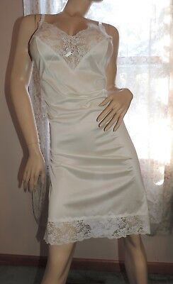 Vintage Slip SALE EVERY STYLE EVERY SIZE by Perfect Form White Nylon & Lace 40