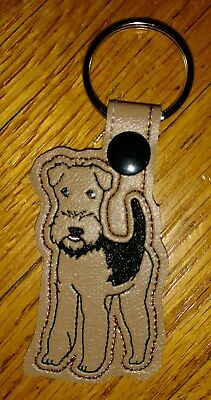 Airdale dog key ring