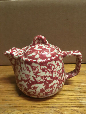 HennPottery Cranberry Sponged Teapot Round