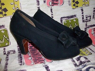 Late 1930s Early 1940s Vintage Black Open Toe Designer Heels Bow size 5 Narrow