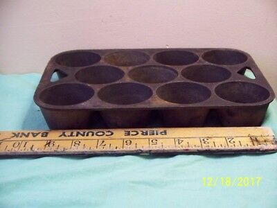 Vintage Cast Iron Made in the USA 11 Cup Muffin Popover Baking Tin Pan