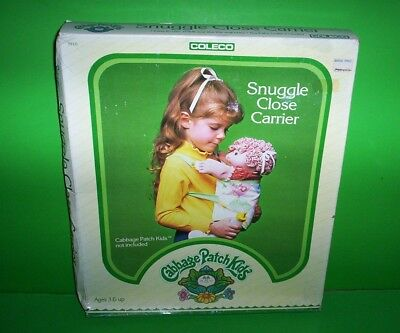 1983 Coleco Cabbage Patch Kids Snuggle Close Carrier & Bottle for Doll #3910 NIB