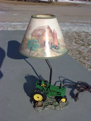 1999 John Deere Tractor Lamp with Farm Scene Shade
