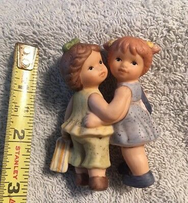 VINTAGE GOEBEL HUMMEL TO MARKET GIRLS GOING SHOPPING FIGURINEs