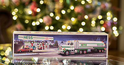 1990 HESS Toy Tanker Truck With Original Box New - NIB Dual Sound switch Lights!