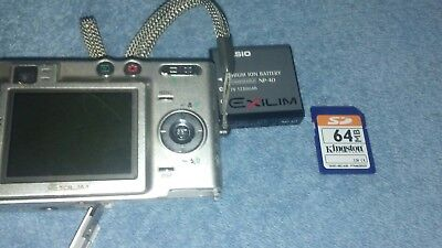 Casio Exilim Digital Camera 5MP EX-Z50 With Charge Station