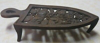 Vintage Iron Trivet (Stand) Cast Iron Floral Print With 3 Legs (Barn Find)