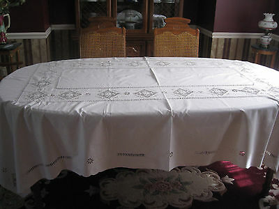 Vintage Antique  EMBROIDERED POINT DE VENISE Linen Tablecloth 70x103 in.