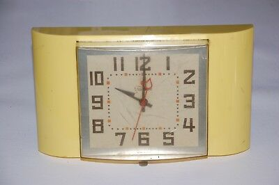 Vintage Midcentury General Electric GE Telechron Wall Clock No 2H29 Yellow