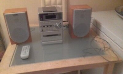 Sony CD-Radio-Cassette Compact Stereo Model CMT-NE3 Micro System & Twin Speakers