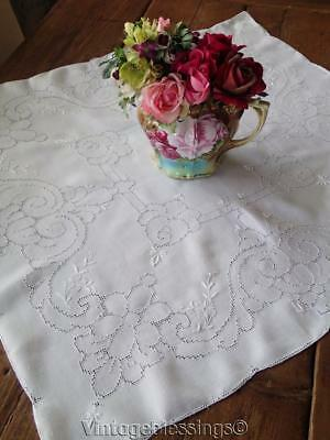Beautiful Vintage MOSAIC WORK Roses LACE Tablecloth Topper 31""