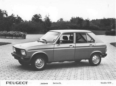 1979 Peugeot 104 SL Sedan ORIGINAL Factory Photo oua1781