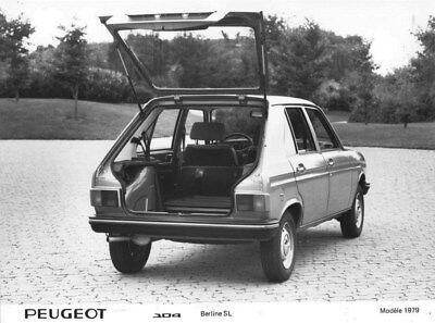1979 Peugeot 104 SL Sedan Rear ORIGINAL Factory Photo oua1782