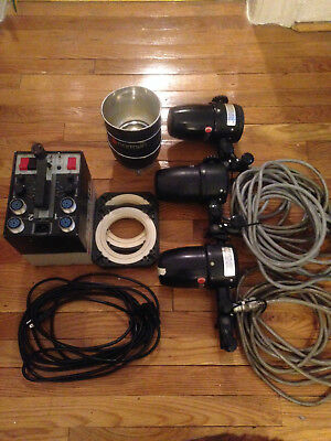 Norman Strobe Kit Superlight 800 W/s Three Heads With Relectors And Rings