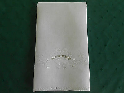 Beautiful Off White Linen Towel / Fabulous Open Work Hand Embroidery, Circa 1920