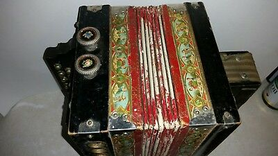 ornate antique NE PLUS ULTRA  accordeon / accordion / sqeeze box